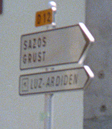 Luz Ardiden Sign by Steve Selwood cc-nc-sa